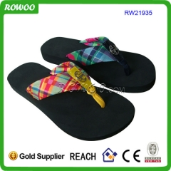 Fashion flip flops with decorations